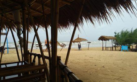 Pantai Cantik Lon Malang di Madura