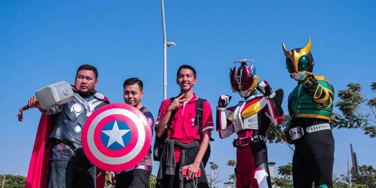 Kedatangan 'Superhero' di Pantai Kenjeran Surabaya