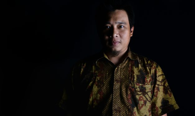 Implementasi Teknik High Key dan Low Key pada Fotografi Model