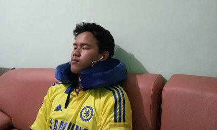 Pingin Tidur Tapi Masih Lembur? Bantal Leher Relaksasi Solusinya