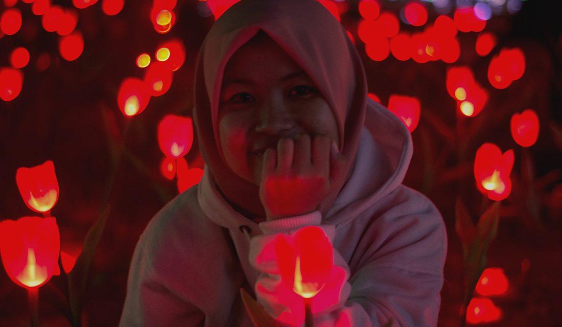 Festival of Light Monas: Udara malam Jakarta terasa menari, dari mereka yang berwarna-warni