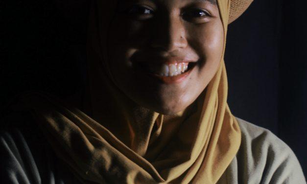 Menciptakan Kesan Dramatis pada Foto Portrait dengan Split Lighting