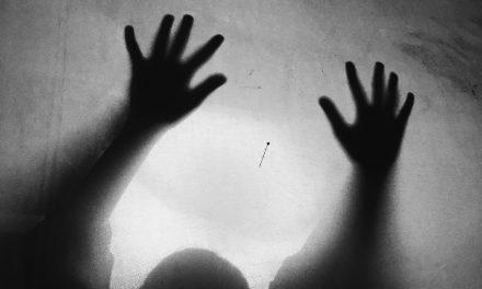 Foto Bayangan Pemberi Kesan Terbaik dalam Fotografi Bertemakan Horor